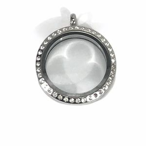Origami Owl Silver Circle Living Locket w/Crystals